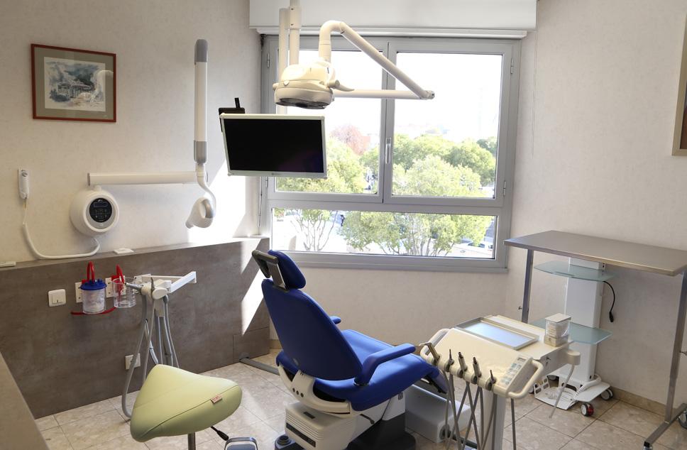 Cabinet chirurgien dentiste 13008